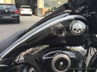 Airbrush harley davidson bagger skull tank2