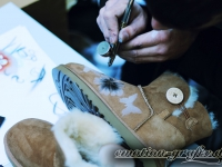 airbrush ugg butterfly